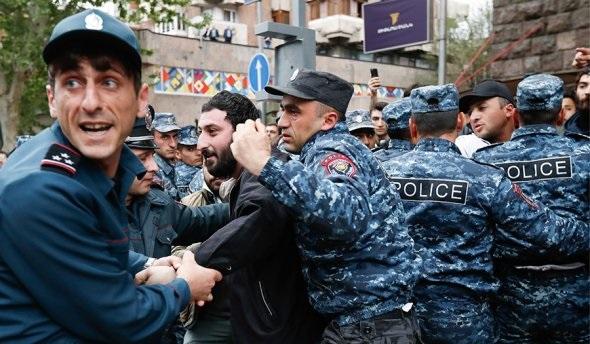 В Ереване задержаны 228 участников протеста