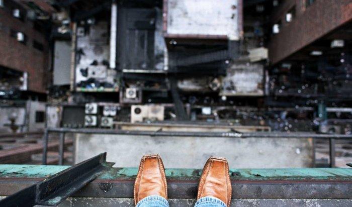 ВКрасноярске мужчина спрыгнул с10этажа дома