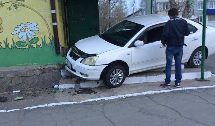 ВУсолье водитель Toyota въехал вмагазин иубежал сместа происшествия