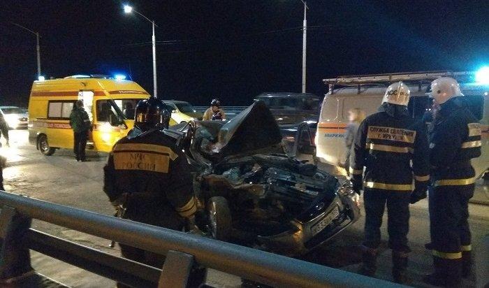 ДТП сучастием нескольких машин случилось наАкадемическом мосту вечером 6мая (Видео)