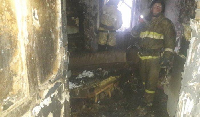 Изгорящего дома вАнгарске эвакуированы более 20человек