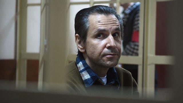 Суд отправил впсихбольницу мужчину, ранившего ножом ведущую «Эха Москвы»