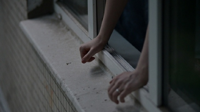 В Иркутске осудили девушку, из ревности столкнувшую возлюбленного с четвертого этажа