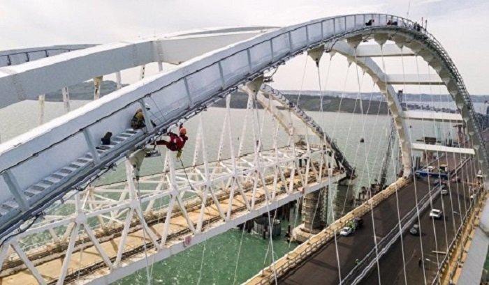 Движение поКрымскому мосту откроют утром 16мая