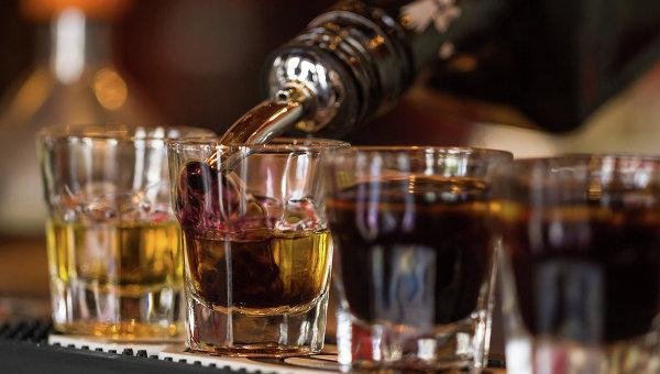 ВМоскве иПетербурге открылась вакансия тайного «выпивохи»