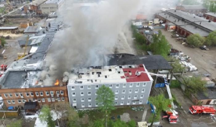 Причиной пожара напродовольственном складе вИркутске могло стать неосторожное обращение согнем