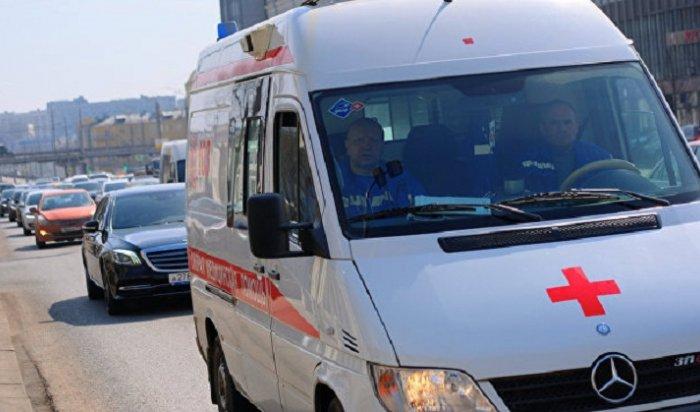 ВЗабайкалье машина скорой помощи врезалась вмотоцикл ифуру