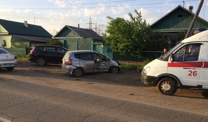 Водитель Honda Fit погиб, врезавшись всветовую опору вХомутово