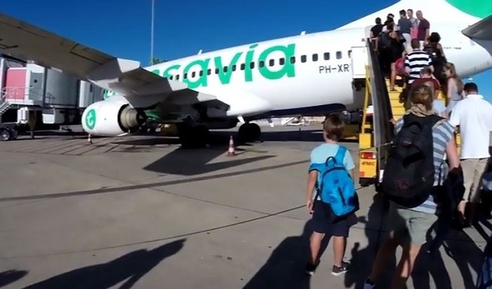 Самолет совершил вынужденную посадку вПортугалии из-за дурнопахнущего пассажира