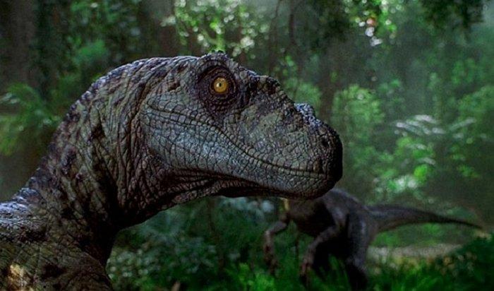«Мир Юрского периода-2»: сказка про белого динозаврика. Рецензия наочередной пугающий блокбастер