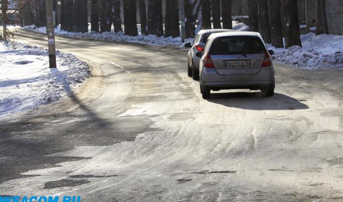 Автоледи изАнгарска отсудила угородской мэрии 84тысячи рублей занечищеные зимой дороги