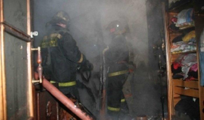 Пожарные Новосибирска эвакуировали 63человек изгорящей высотки