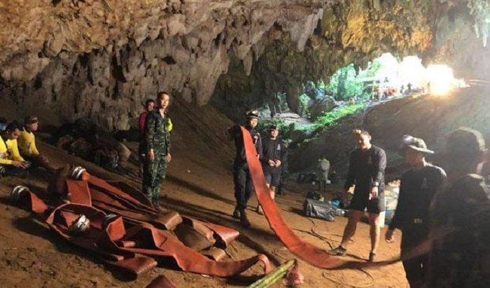 ВТаиланде 12детей оказались замурованными впещере