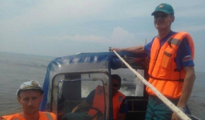 Сотрудники МЧС спасли рыбака наБратском водохранилище