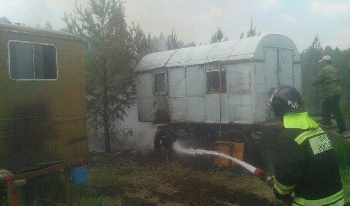Тракторист изКачугского района помог сотрудникам МЧС потушить пожар