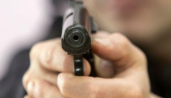 Коллекционер изАнгарска переделал сигнальный пистолет вогнестрельное оружие
