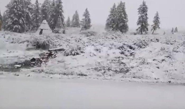 Сюрприз погоды: вБурятии выпал снег (Видео)