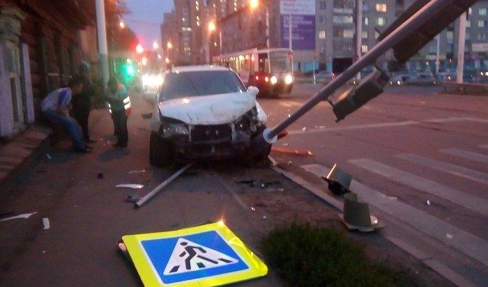 Иркутянка пострадала из-за пьяного водителя вДТП наперекрестке улиц Пискунова иПартизанской (Видео)