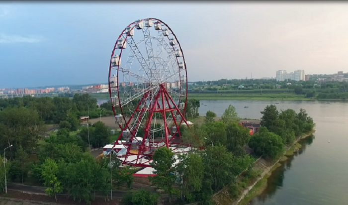 Колесо обозрения вИркутске: как оно работает икакие прошло испытания (Видео)