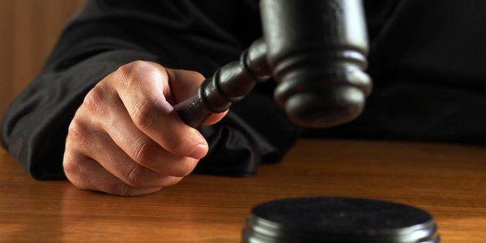 Суд запретил жителю Саянска выходить издома ночью