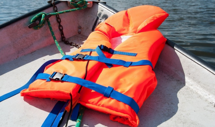 Владельца моторной лодки изИркутска осудили загибель пассажира