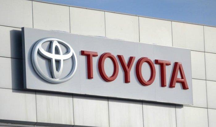 Toyota отзывает 275автомобилей Alphard иHighlander