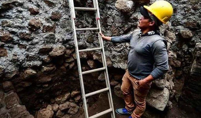 Землетрясение вМексике помогло археологам найти древний храм ацтеков