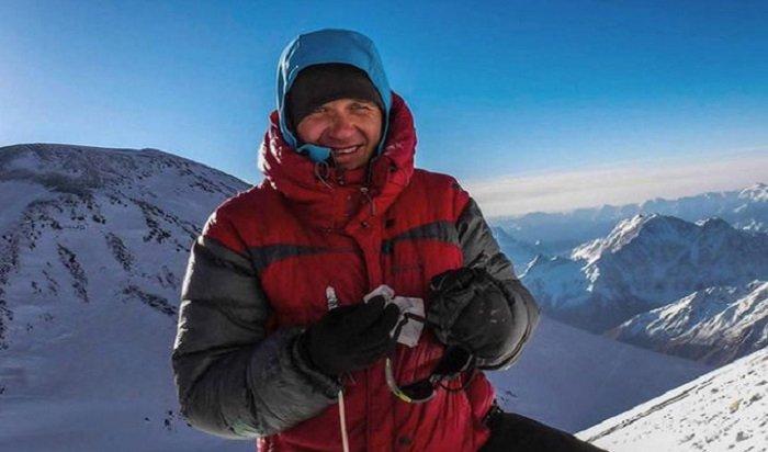 Напарник погибшего альпиниста провел неделю навысоте 6200метров без еды
