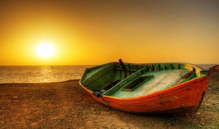 Приплыли: американец прибыл наЧукотку налодке ипопросил политического убежища