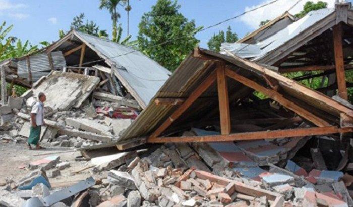Мощное землетрясение наБали, при котором погибли 82человека, попало навидео (Видео)