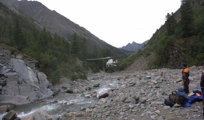 Пострадавшую наШумаке 64-летнюю туристку эвакуировали вИркутск вертолетом Ми-8