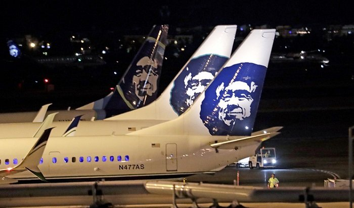 ВСША работник авиакомпании угнал иразбил пассажирский самолет