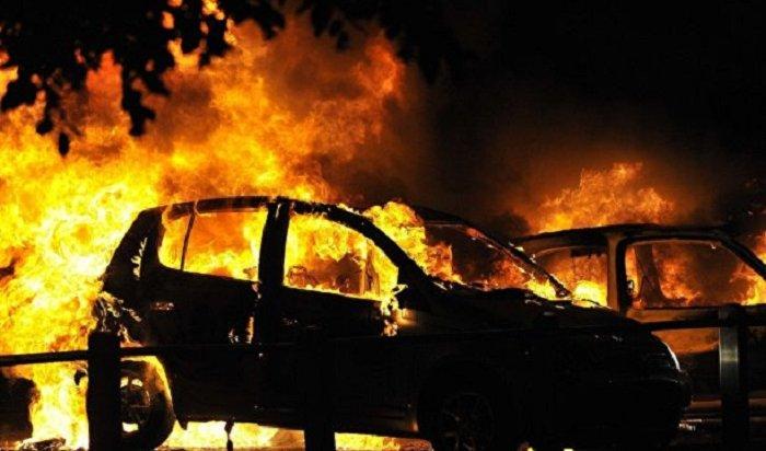 ВШвеции сожгли более 100автомобилей (Видео)