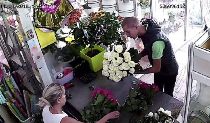 ВИркутске задержали похитителя букета избелых роз (Видео)