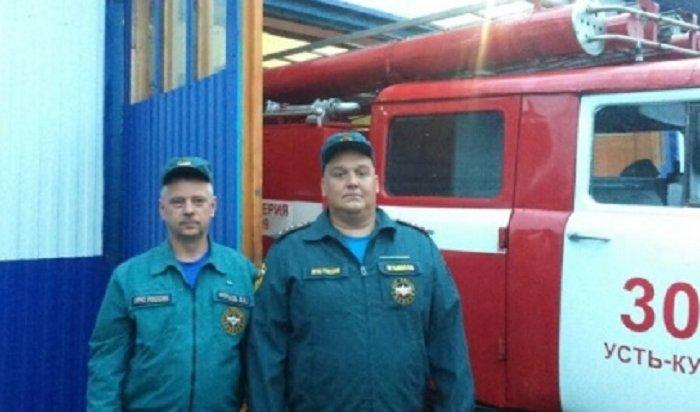 Пожарные Усть-Кута спасли мужчину, отравившегося угарным газом