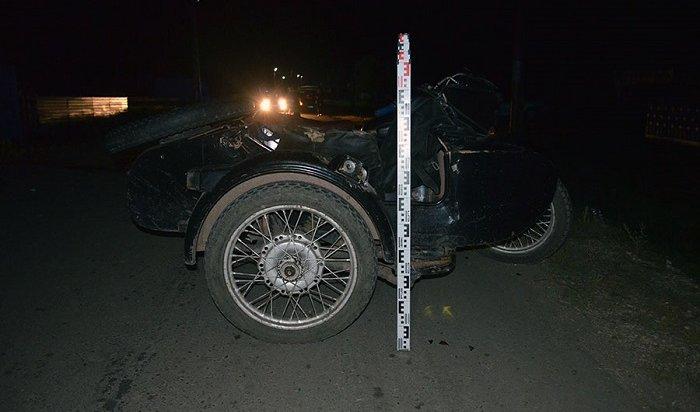 Два человека пострадали при столкновении мотоцикла скоровой вПриангарье