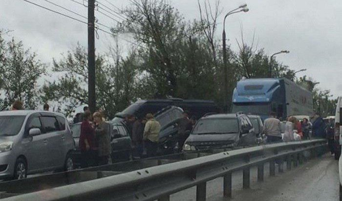 Три человека пострадали вДТП наКайской горе вИркутске