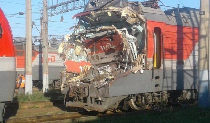 Два локомотива столкнулись настанции Иркутск-Сортировочный (Видео)
