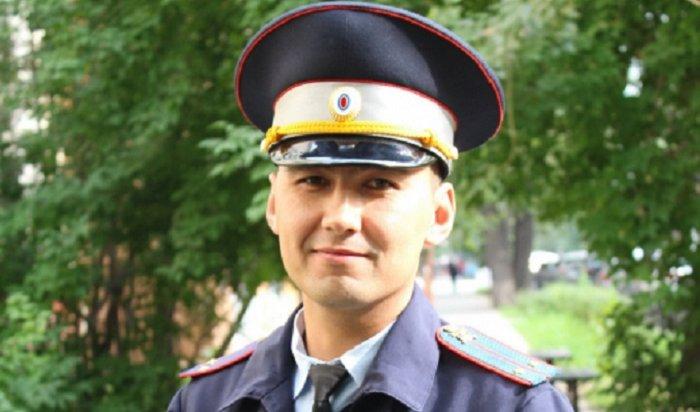 Тулунский инспектор ДПС спас детей вИркутске сбалкона четвертого этажа