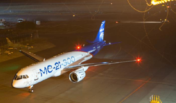 Самолет МС-21-300впервые выполнил ночной полет (Видео)