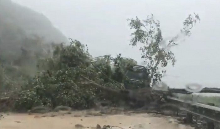 Тайфун «Джеби» долетел доСахалина иугрожает Хабаровскому краю (Видео)