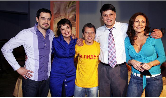 Телеканал ТНТ4 покажет новые серии «Счастливы вместе»