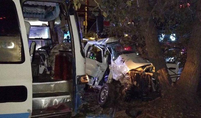 Вавтобусе, скоторым столкнулась Toyota Town Ace вИркутске, находились туристы изКитая