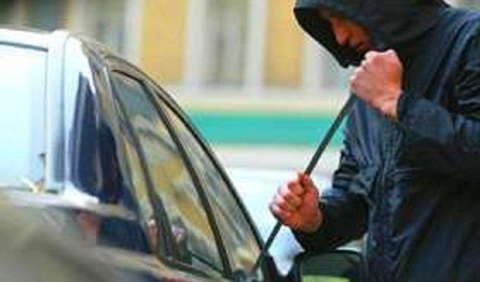 Двое 16-летних подростков угоняли иподжигали автомобили вНижнеилимском районе