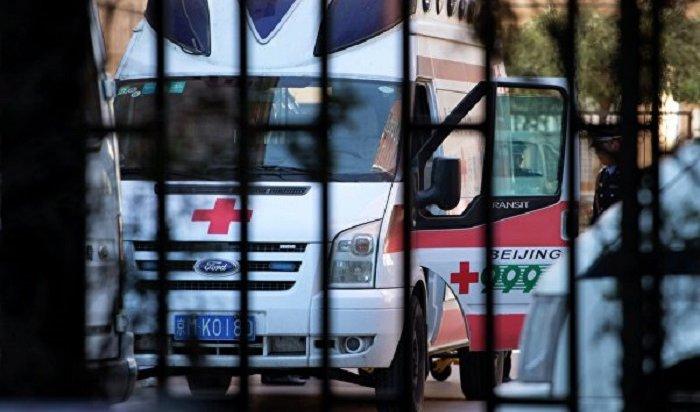 Девять человек погибли при наезде внедорожника натолпу вКитае (Видео)