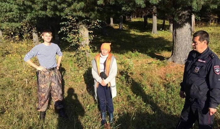 ВСлюдянском районе полицейские спустя сутки нашли заблудившуюся сборщицу грибов
