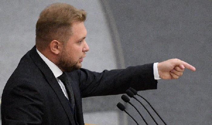 ВГосдуме предложили наказывать уголовников просмотром российских фильмов