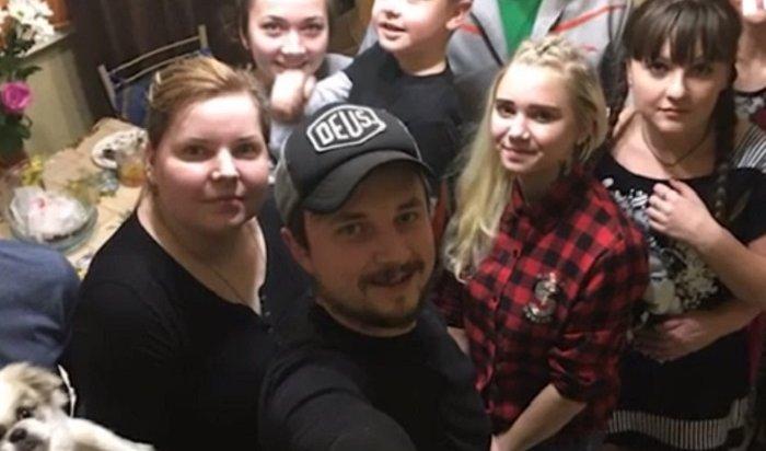 Москвич попал в«Книгу рекордов Гиннеса» поколичеству отписок отчиновников (Видео)