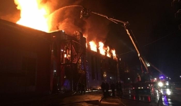 После пожара в«Мебель Сити» следователи проверяют действия сотрудников МЧС