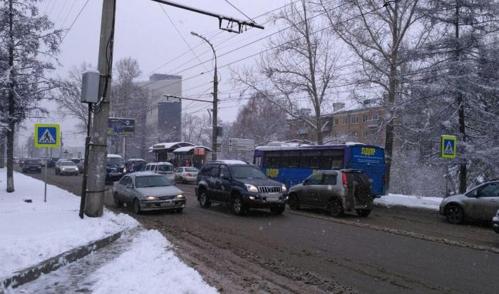 Спецтехника, которая убирает снег, подготовлена вИркутске